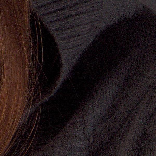 Mairi Detail Black 150